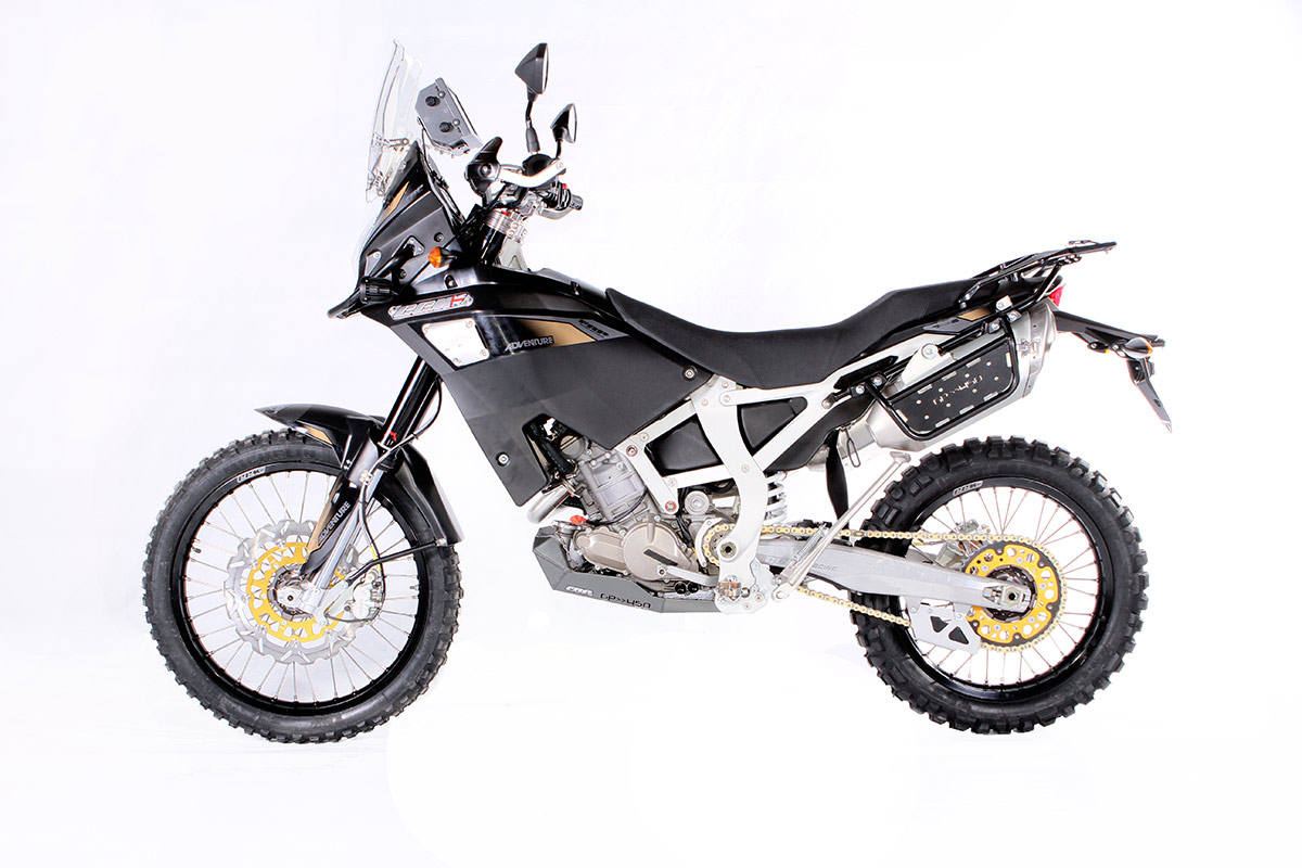 ccm-450-adventure-side2